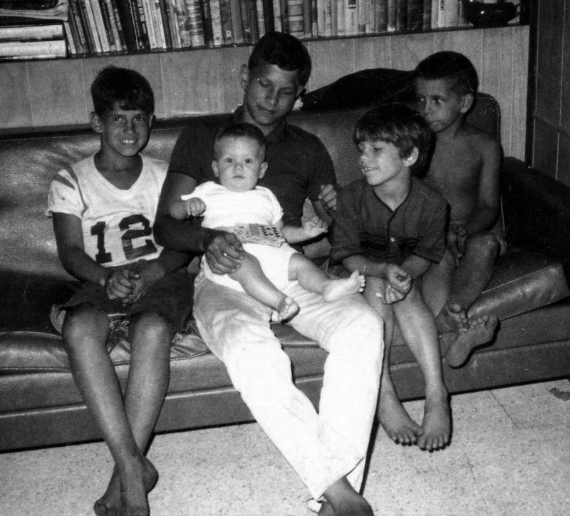 Robert,George,Connie&Scott-back1