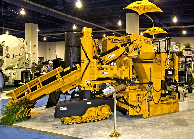 CONEXPO 2005, concrete construction: Gomaco concrete road paving machine. CONEXPO, Las Vegas, Nevada, March 15-19, 2005.