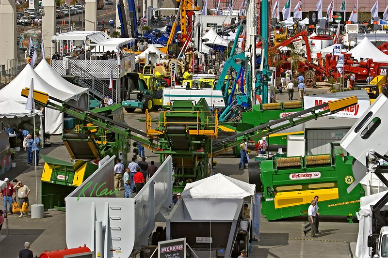 CONEXPO 2005, concrete, asphalt construction: Silver Lot at Las Vegas Convention Center. Concrete, asphalt, and aggregate construction. The large green machine in center of photo is a McCloskey Brothers trommel for screening aggregates. InCONEXPO, Las Vegas, Nevada, March 15-19, 2005.