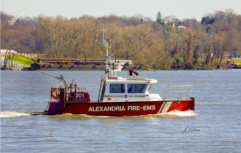 Fireboat, EMS: Fireboat 201 Vigilant is a Class 'C' fireboat equipped with a 1500 gpm PTO (power takeoff = uses power from main engines) pump. Powered by twin Cummings diesels and Hamilton hydro jets, Vigilant can run at greater than 40 knots. Potomac River, Alexandria, Virginia, November, 2006.