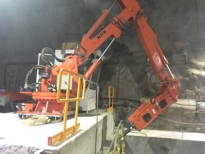 B550 pedestal boom rock breaker underground mining application