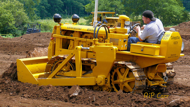 Catepillar D2 5J or 5U tractor/ bulldozer. Historical Construction Equipment Association 2007 National Convention and Old Equipment Exposition, Zagray Farm Museum, Colchester, CT, July 21, 2007. Photo by Rip Carr