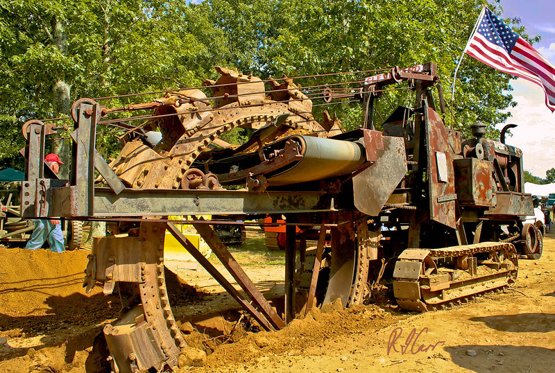 1958 Cleveland 95 bucket sheel trenching machine. Historical Construction Equipment Association 2007 National Convention and Old Equipment Exposition, Zagray FarmMuseum, Colchester, CT, July 21, 2007. Photo by Rob Carr.