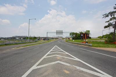 "Latitude 38º 51' 54.195"" ; Longtitude -77º 0' 9.514"" View of South Capitol Street Bridge"