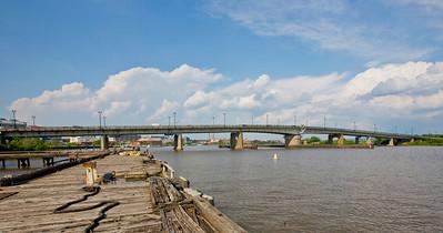 Latitude 38º 52' 5.107 ; Longtitude -77º 0' 27.708 View of Bridge facing East