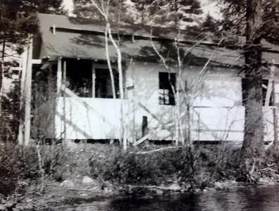 Building cabin #101, spring 1946
