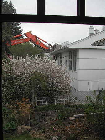 Construction next door @ 3027, 2007