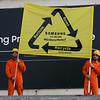 Acción de Greenpeace en el Palau de Congresos de Catalunya