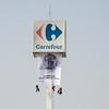 Protesta en Carrefour por el uso masivo de plásticos.