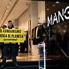 Greenpeace denuncia el Black Friday y el impacto del consumo masivo en el marco de la actual emergencia climática