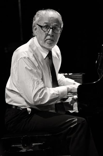 Bob James - Four Play - Clapham Grand, London 10 Nov 2011