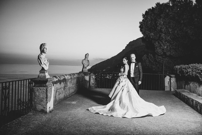 Genane and Ziad couple portrait on Infinity terrace of Villa Cimbrone
