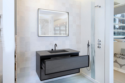 Hastings TIle and Bath 2021-19