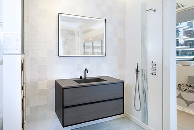 Hastings TIle and Bath 2021-18