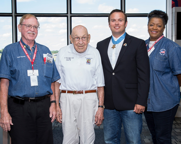 Doolittle Raider Dick Cole and MoH Ed Byers at MSP