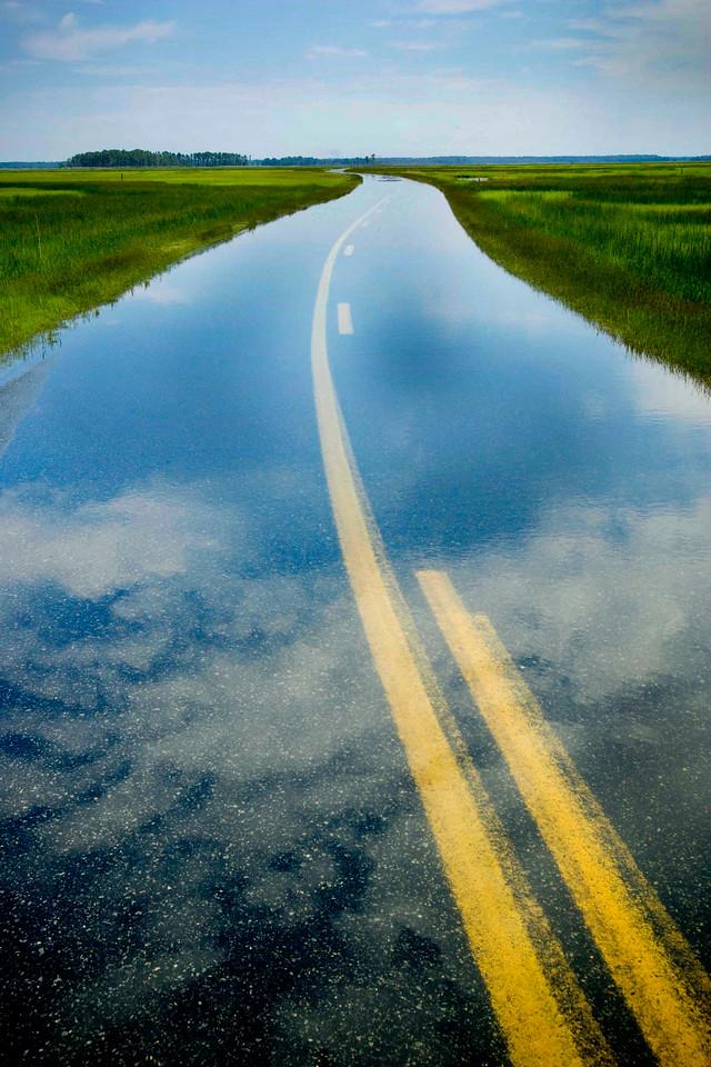 20050530_blackwater flooded road
