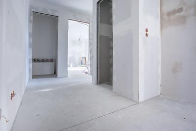 Vom Eingang zum Gäste WC, Bad sowie Schlafzimmer