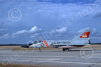 F-106AUSAF 00079 A taxing Convair F-106A Delta Dart USAF 57231 87th FIS RED BULLS BICENTENNIAL Tyndall AFB 11-1976 military airplane picture by L B Sides