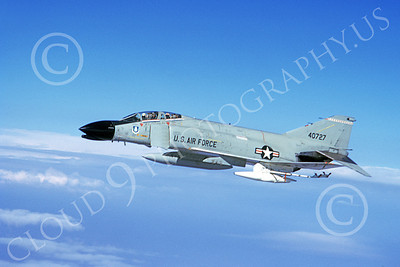 F-4USAF 00140 A flying McDonnell Douglas F-4C Phantom II USAF 640727 8-1973 military airplane picture by George Cook