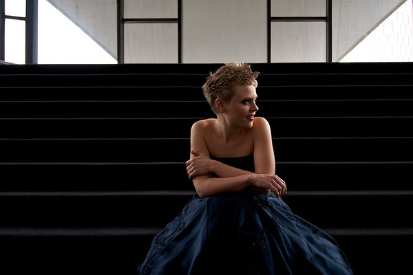 Anke Briegel's photoshoot at Theater Dortmund Oper Foyer, female portrait, flash