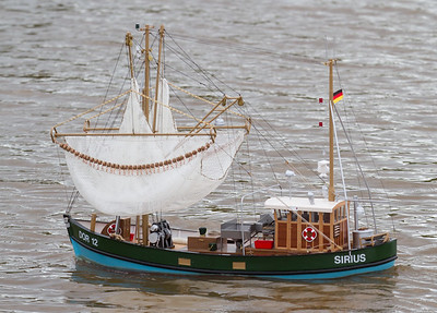 Dor 12, Dorum, Fishing boat, John Tybjerg, SRCMBC, Sirius, Solent Radio Control Model Boat Club, side-trawl shrimping boat