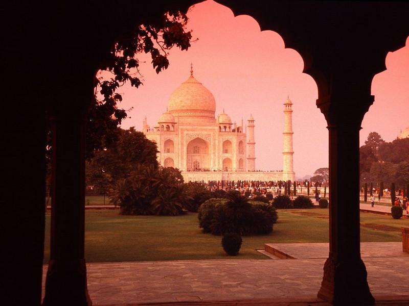 CCC83-23 - The Taj Mahal by shariq