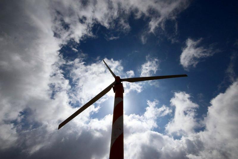 CCC87-09 - Wind Power by lucipaz