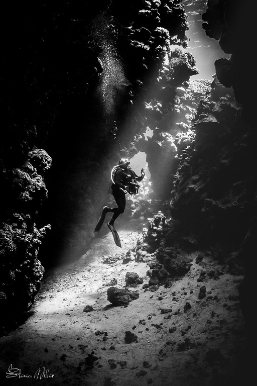 Light Rays in Red Sea cave