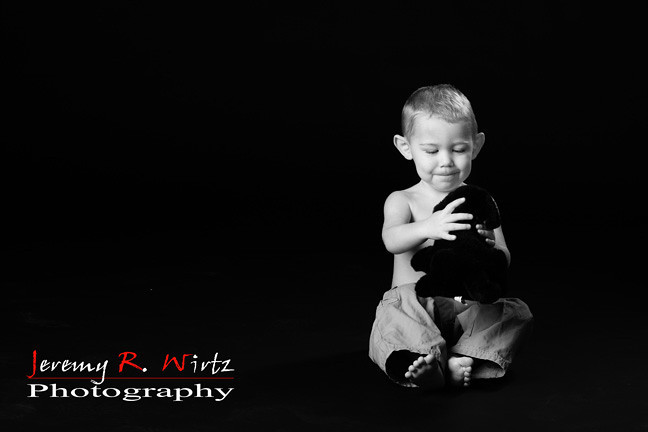 Jeremy R Wirtz (4514-1) - Minneapolis, MN August 28, 2011 - Puppy Love  (Toddler Entry)<br><br><br>Please help us choose the most adorable cuties to be our models at the Creative Edge Kids show in your area. This is a fun contest open to all photographers and is solely meant to find Americas cutest kids for a live model shoot with Sandy Puc. Simply review the images in the galleries below and leave a comment to vote in favor of the child. Remember you are voting on the child and not the photographers technique.