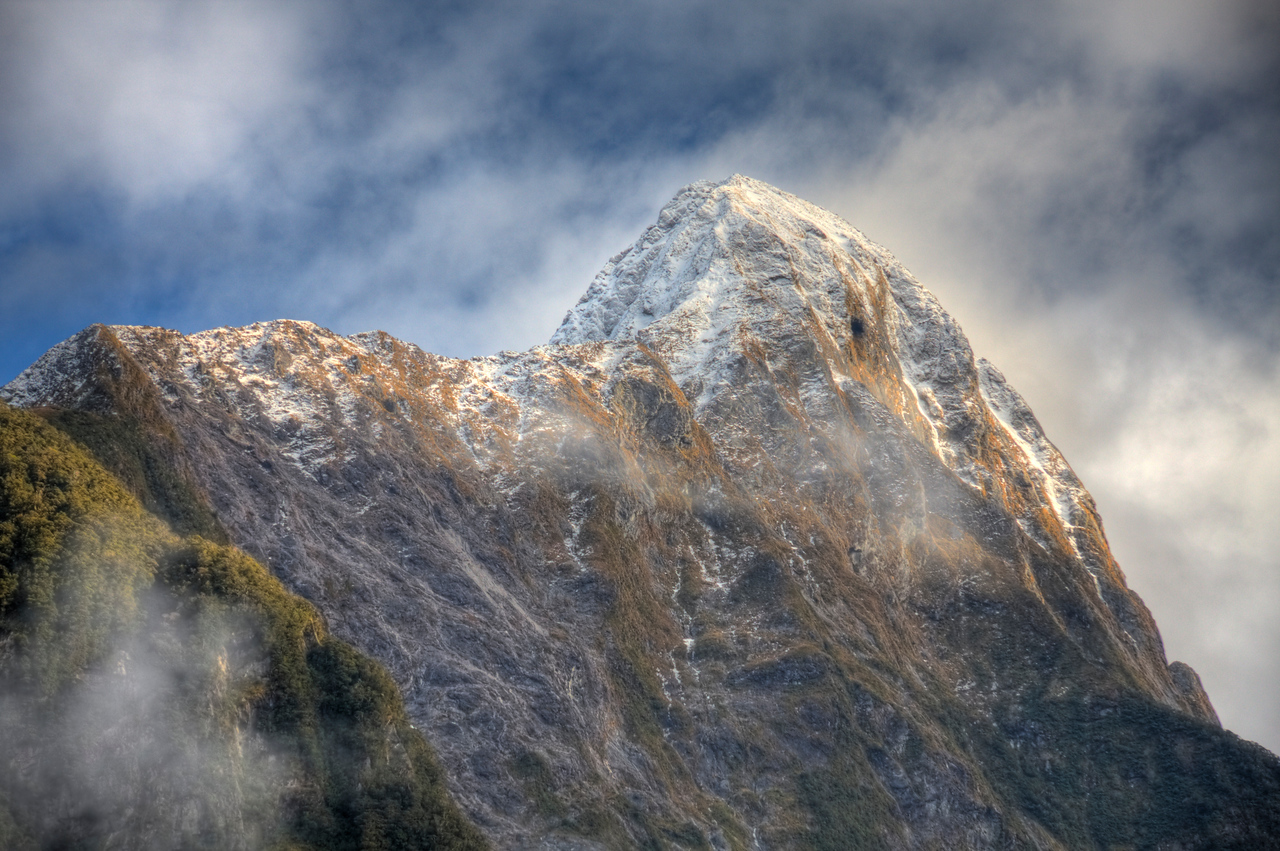 Milford Sound, New Zealand (HDR)