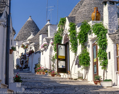 Trully houses at Alberobello  Filename: ITA-100007-006.jpg