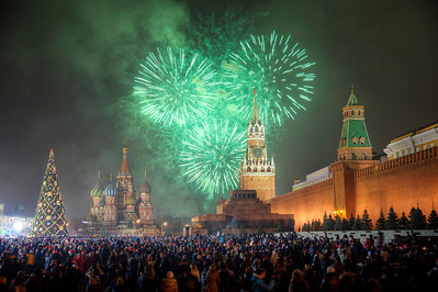 2012 arrives in Moscow! Fireworks over the Kremlin as the clock strikes midnight.
