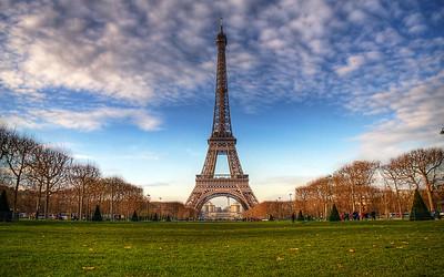 Iconic: Le Tour Eiffel (HDR Image)