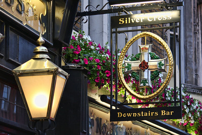 The Silver Cross: A classic British pub on Whitehall. London, UK