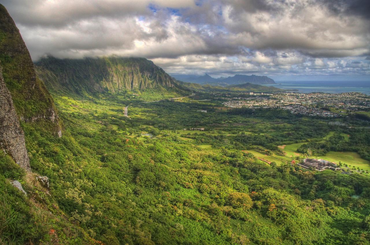 The Pali Highway, Oahu, Hawaii, USA