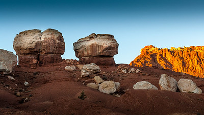 Capitol Reef Nat'l Park, Twin Rocks, Utah