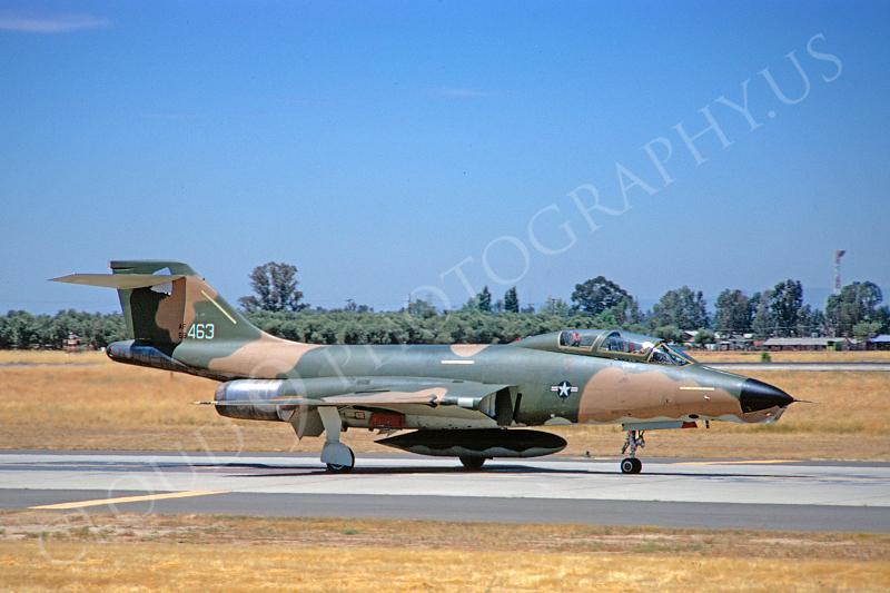 RF-101USAF 00005 McDonnell RF-101 Voodoo USAF 59463 McClellan AFB June 1972 by Peter B Lewis