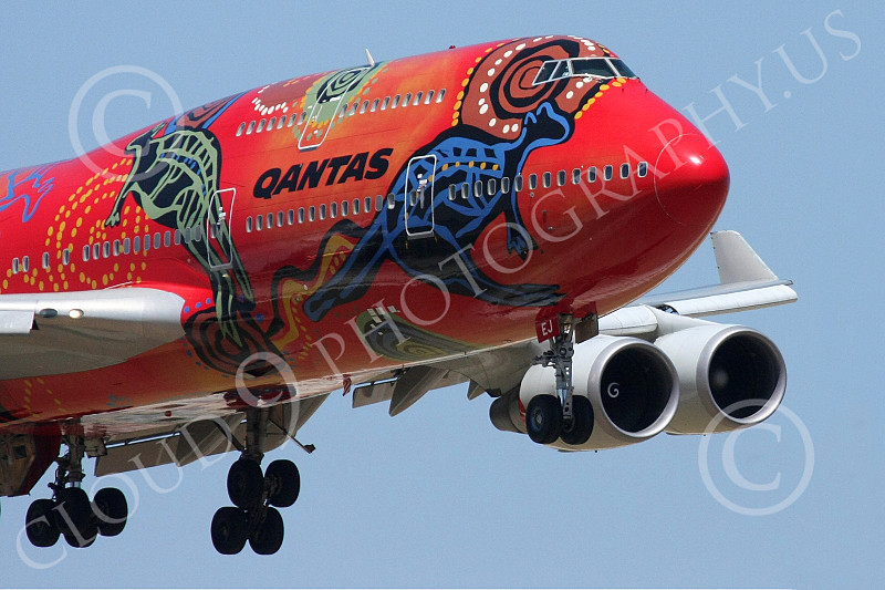 B747 00162 Close up nose of Qantas' colorful Wunala Dreaming Boeing 747 airliner picture, by Tim Perkins