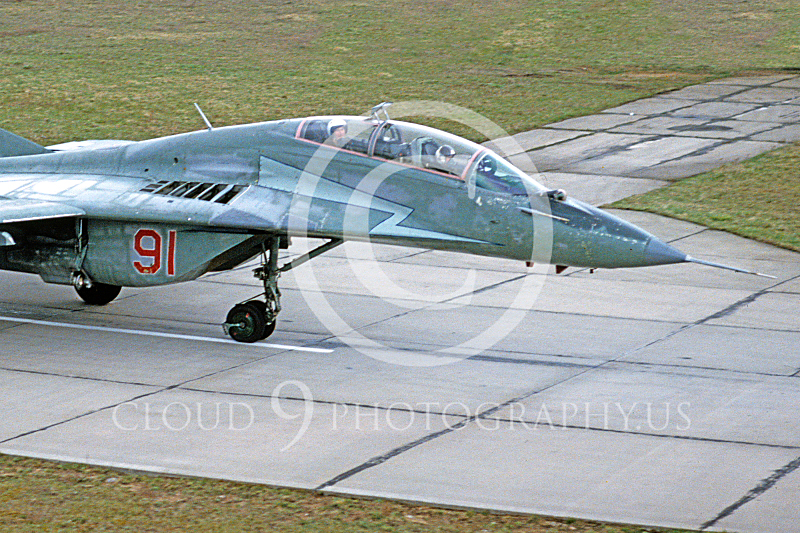 CUNMJ 00011 Mikoyan-Gureyvich MiG-29 Fulcrum Soviet 1993 by W Zetsche via AirDOC Collection