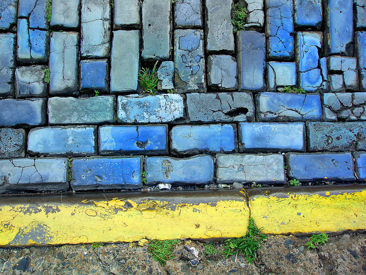 The streets in Old San Juan are blue cobblestones (cast from furnace slag). The cobbles were<br /> used as ballast on the empty Spanish trade ships. The ballast was unloaded when the ships<br /> were filled with sugar cane produced in Puerto Rico.
