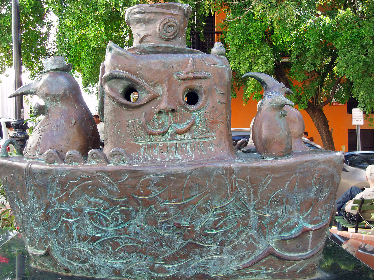 "This sculpture was mysteriously called something like ""Penguins in a Boat."" (My Spanish is a little rusty.)"
