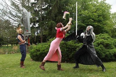 Cloud Strife & Aerith Gainsborough vs. Sephiroth