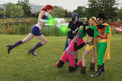 Starfire vs. Beast Boy, Terra, Raven, & Robin