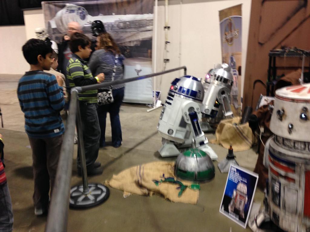 . Everyone loves Droids at 2014 Motor City Comic Con. Photo by David Komer