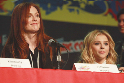Carrie: Julianne Moore & Chloe Grace Moretz