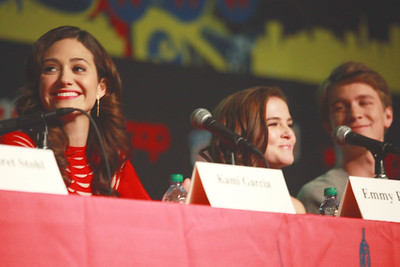 Beautiful Creatures: Emmy Rossum, Zoey Deutch, & Thomas Mann