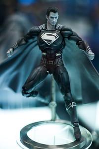 """Play Arts Kai """"NYCC Black & White Superman"""""""