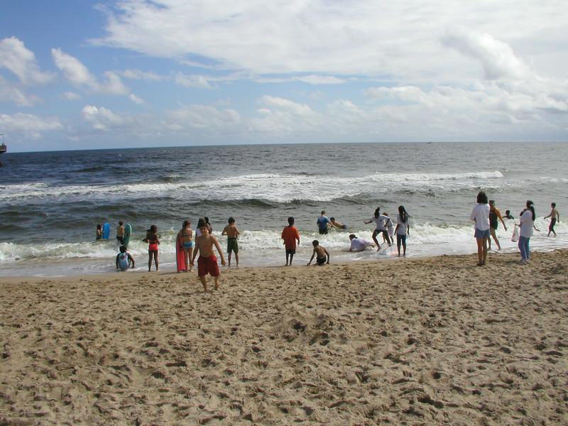 beach-02 kids