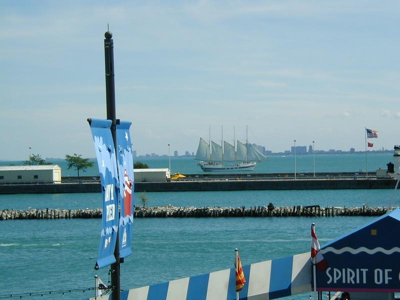 IL navy pier boat