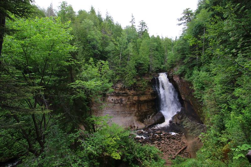 upper-peninsula-17-miners-falls